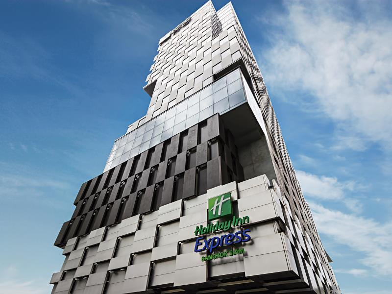 holiday-inn-express-bangkok-siam1