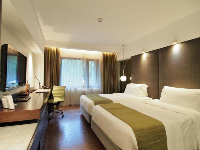 the_mira_hotel4