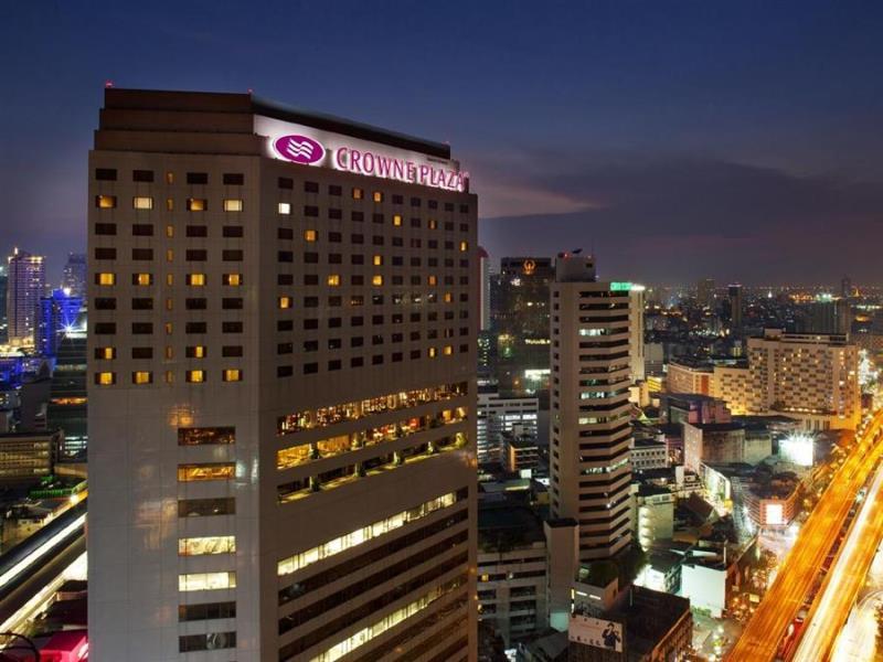 crowne-plaza-bangkok-lumpini-park-hotel1