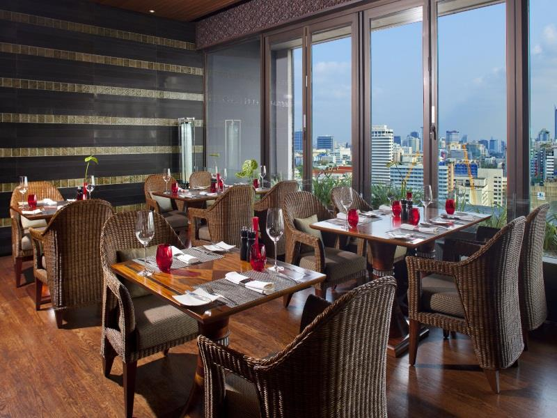 crowne-plaza-bangkok-lumpini-park-hotel7
